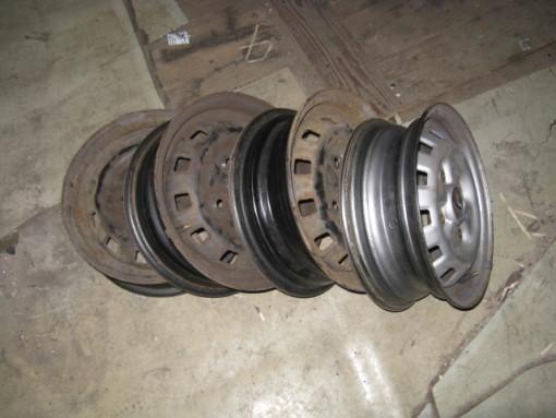 plechové disky 13